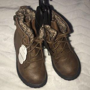 Girls Boots 7